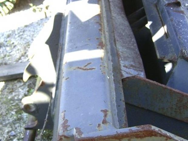Standardschaufel 1830 GEHL Aufnahme ohne Zähne gebraucht bei Niklaus Baugeräte mieten oder kaufen