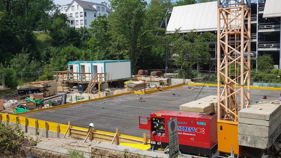 Niklaus Baumaschinen und Baugeräte auf einer Baustelle in Reutlingen