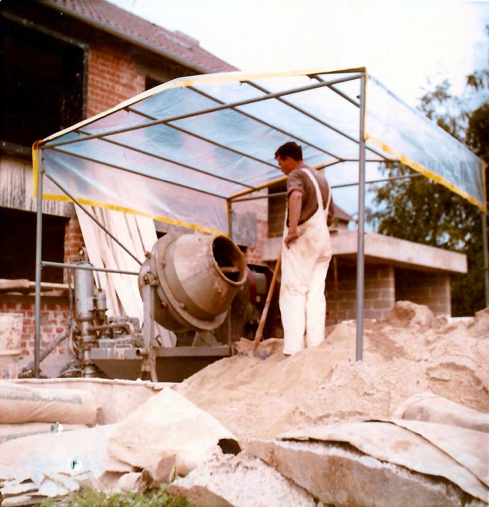 Erste Baustellenüberdachung von Niklaus Baugeräte