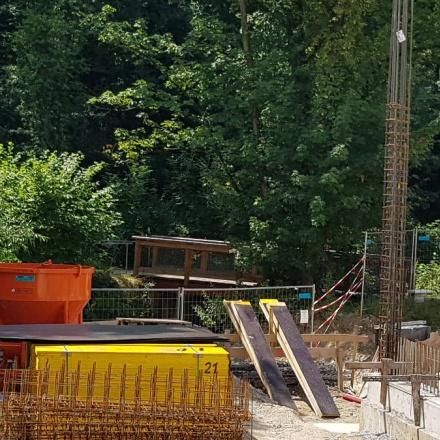 Betonkübel in Reutlingen von Niklaus Baugeräte